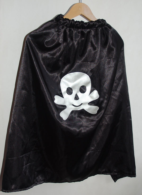 Coudre une cape de pirate par Kameleon Factory