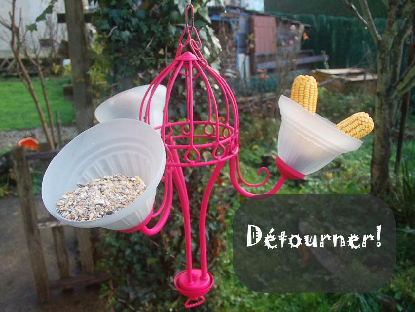 Objets détournés au jardin pour les oiseaux et insectes