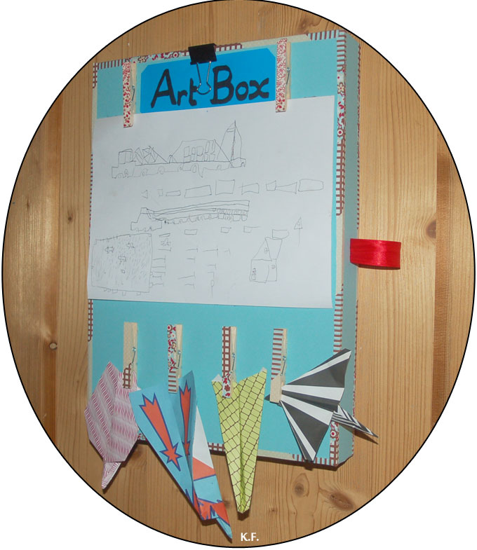 Boîte d'art pour dessin et origami des enfants