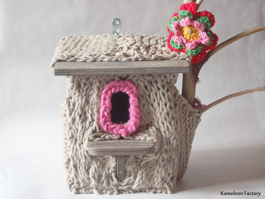 Le nid yarn bombing en recyclage tricot