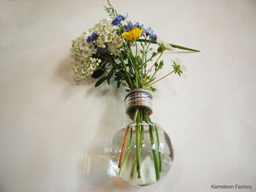 Détournement d'ampoule en soliflore à fleur