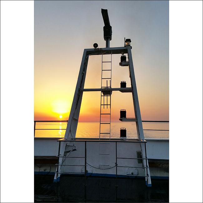 sunset traversée Sete Tanger