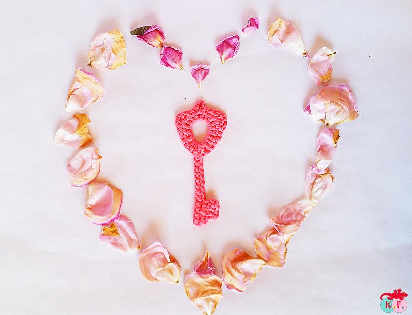 Je vous offre la clé de la vie en rose!