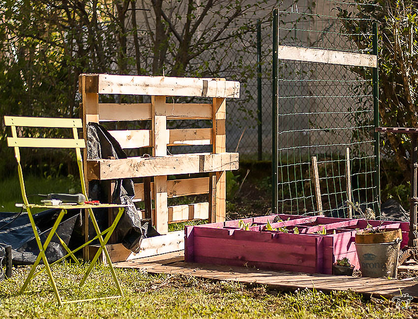 diy faire son potager vertical avec un palette kameleon factory. Black Bedroom Furniture Sets. Home Design Ideas