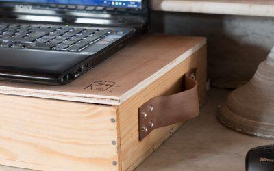 Bureau nomade DIY  avec une caisse en bois