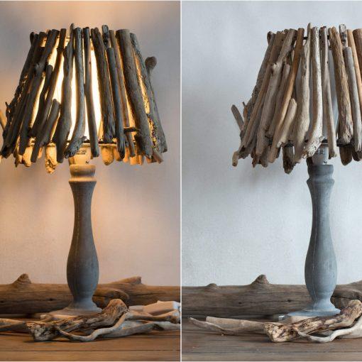"""Lampe """"Little Forest"""" abat-jour en bois flottés par Kameleon Factory et pied en béton"""