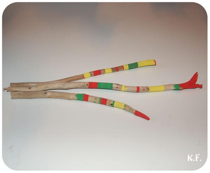 Battons de bois flottés peints pour la décoration DIY par Kameleon Factory
