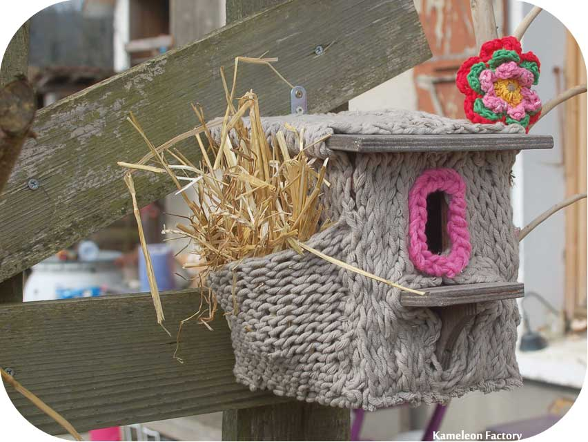 Nid d'oiseau et tricot diy yarn bombing