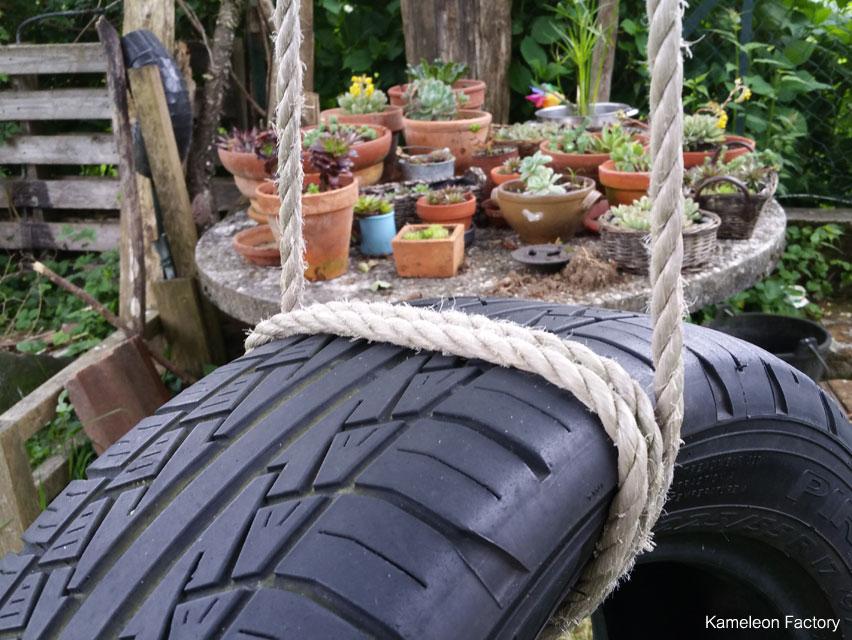 jeux d'enfant avec des pneus