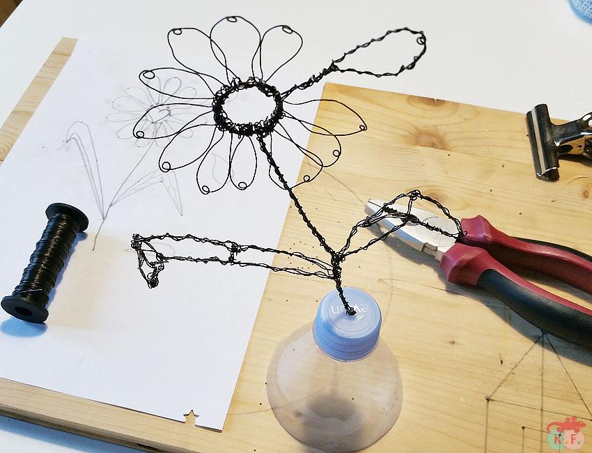sculpture fil de fer fleur