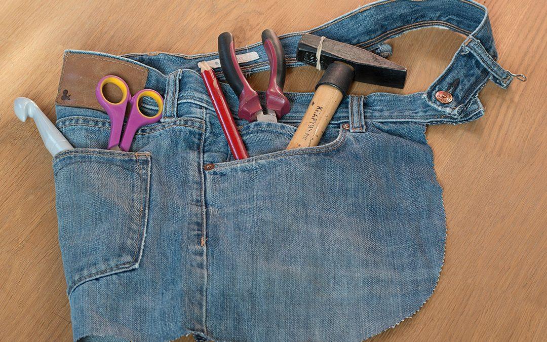 DIY du tablier sans couture en jeans recyclé de 5 minutes