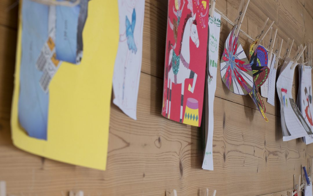 Dessin d'enfant:  Idée DIY pour expo permanente